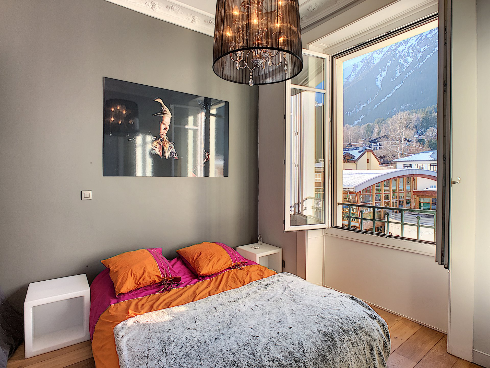 2 bedroom apartment with 3rd mezanine bedroom Chamonix centre