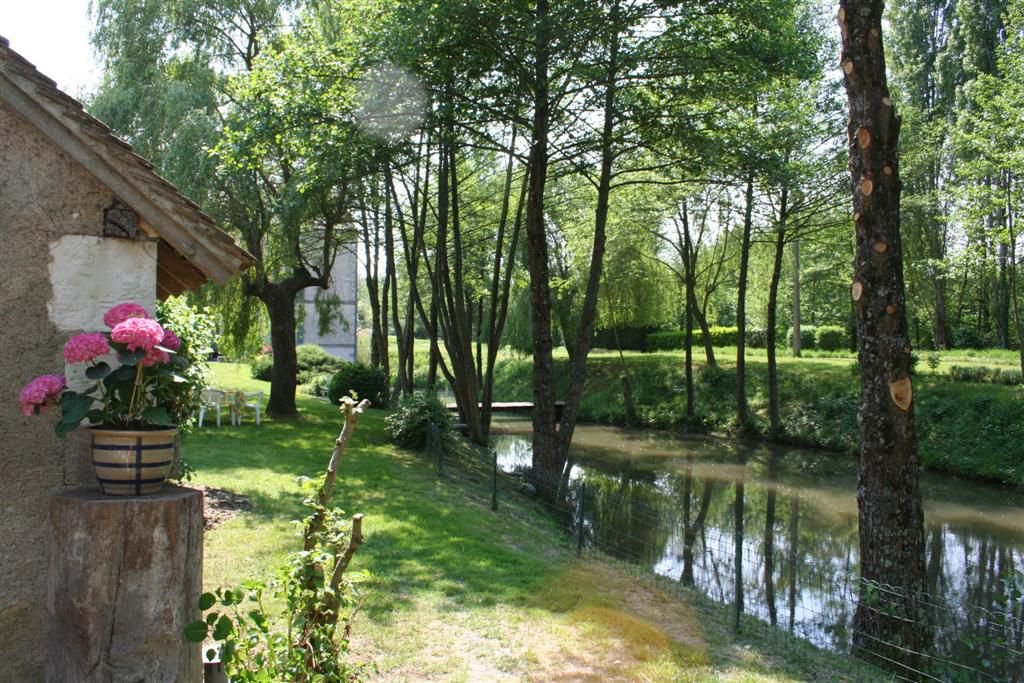 INDRE - In the countryside, B&B in ancient mill
