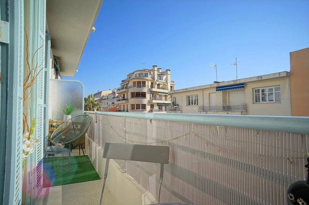 VENTE Appartement 2P Nice Fleurs Balcon Excellent Etat