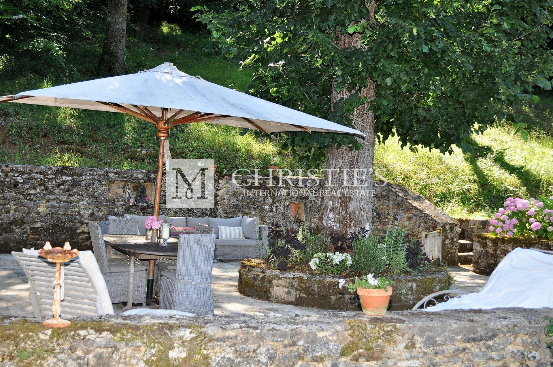 Perfect holiday home in peaceful location in the Perigord Noir