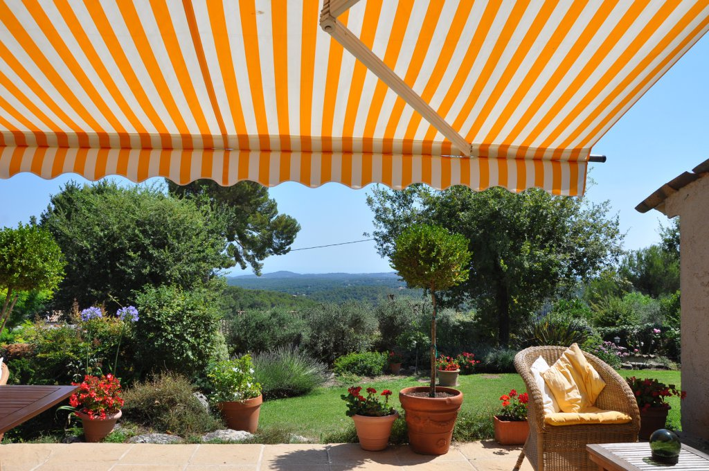 Most charming provencale villa with fabulous views to the sea, Opio