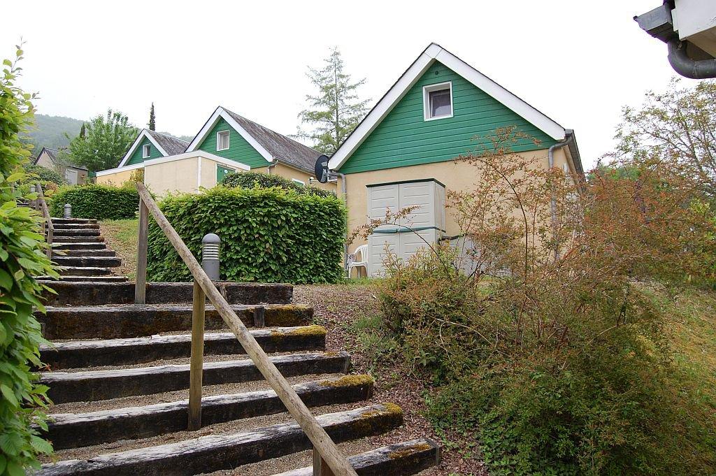 CORREZE - Joli bungalow au bord du lac du Causse