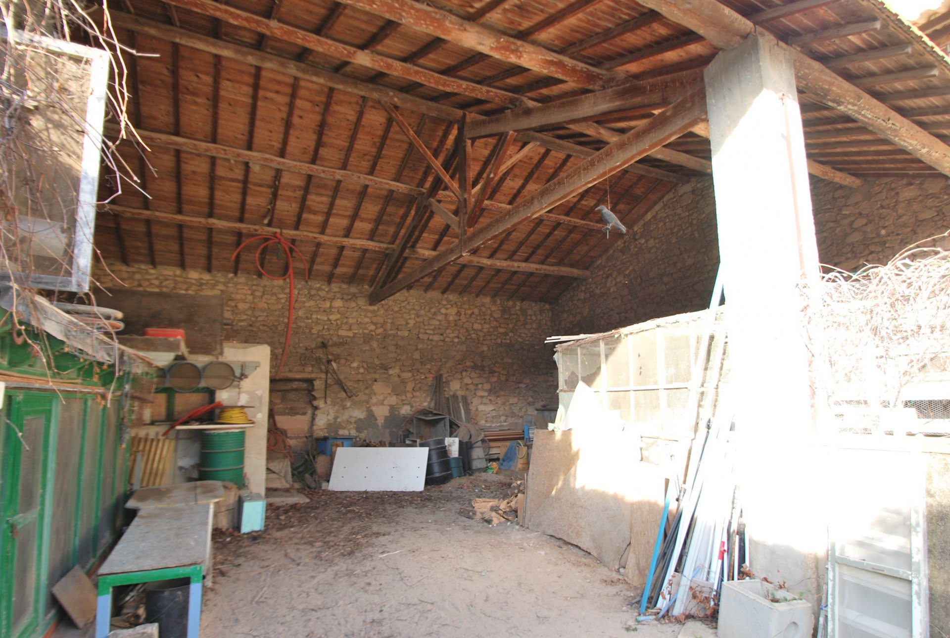 Sale Woodshed - Fontvieille