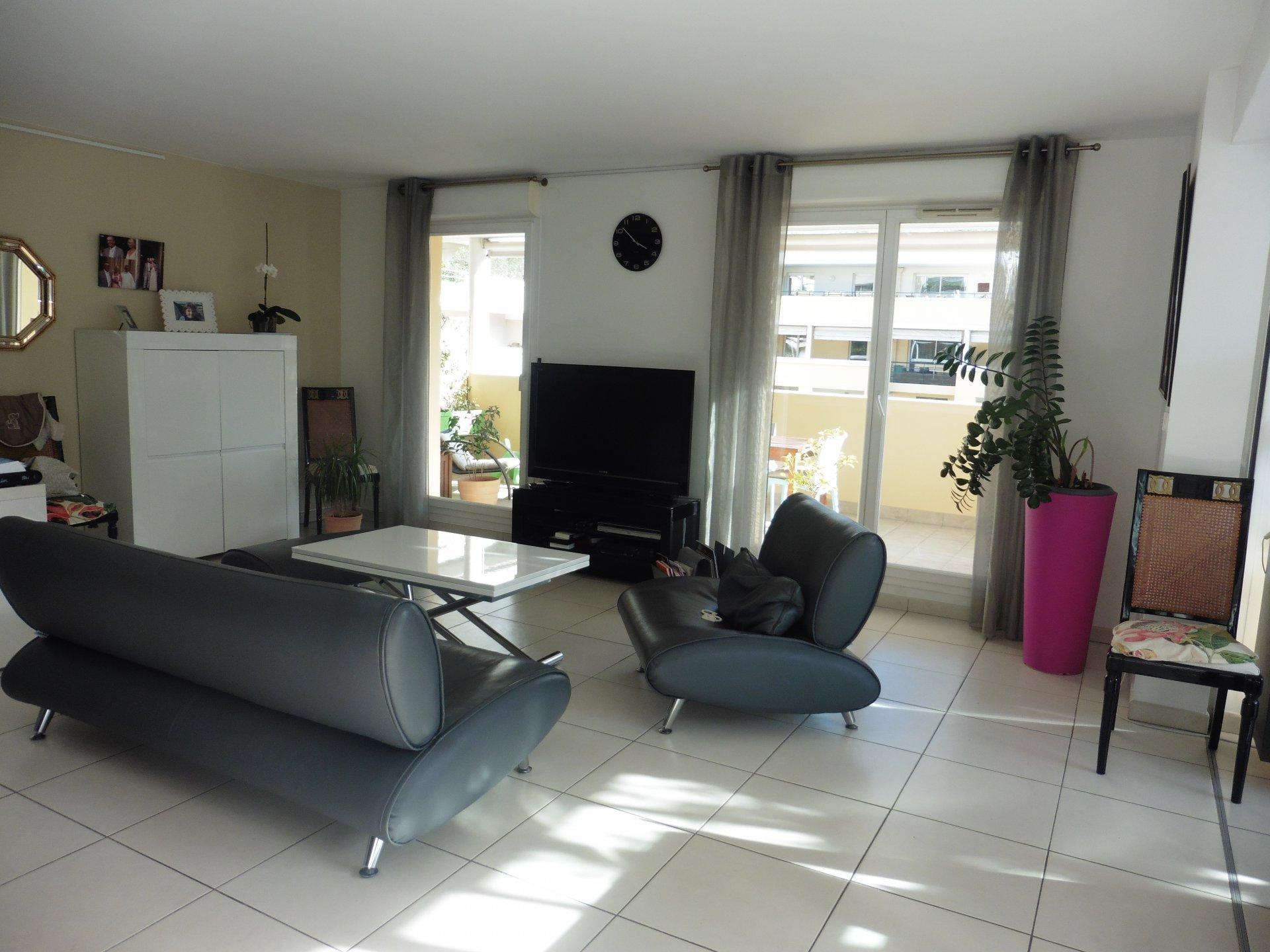 Sale Apartment - Marseille 8ème