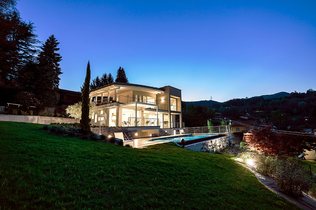 Design contemporary villa for sale in Meina with pool