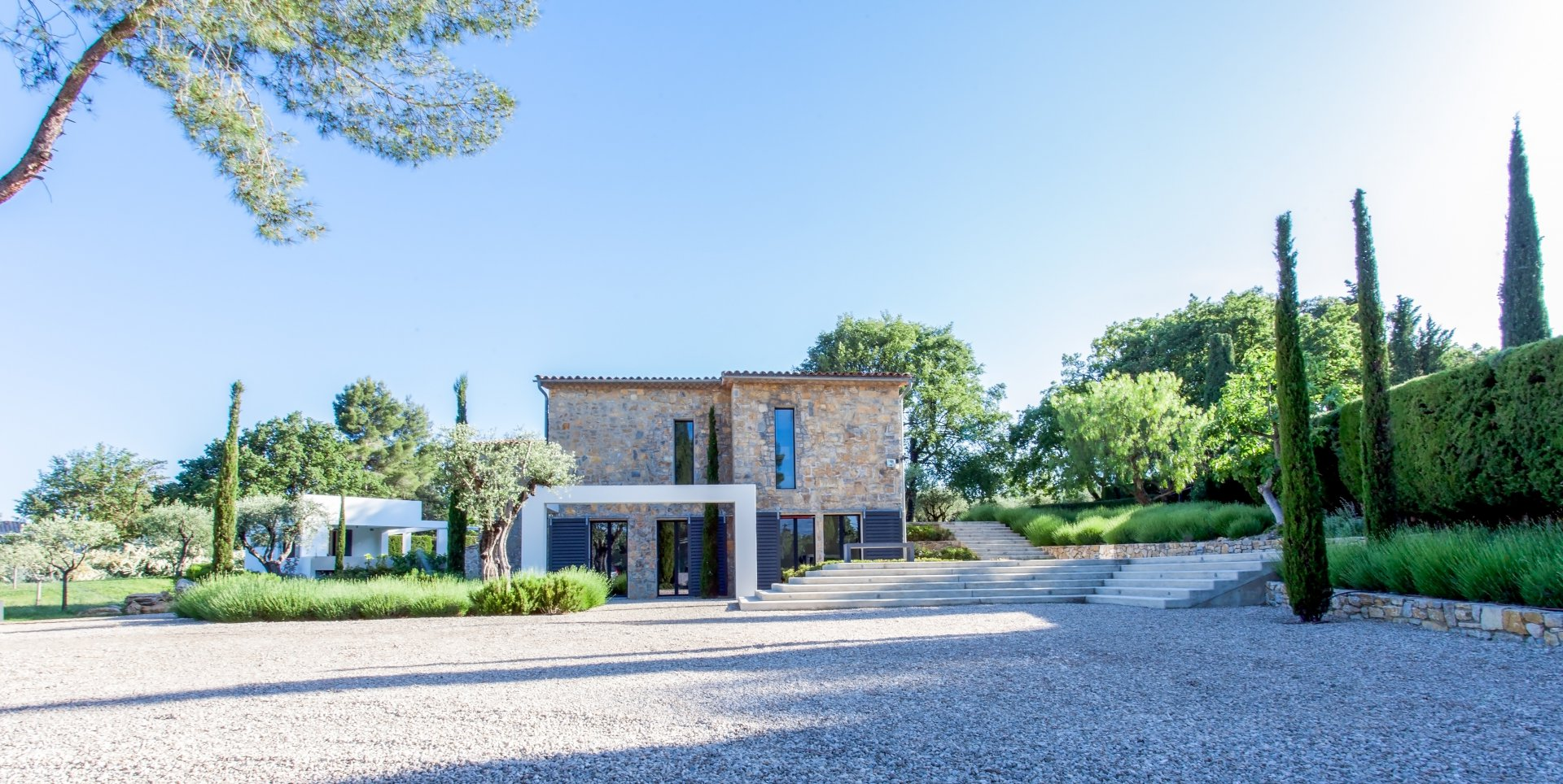 Beautiful property walking distance to the village of Valbonne