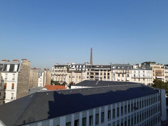 STUDIO PARIS 7    VUE TOUR EIFFEL