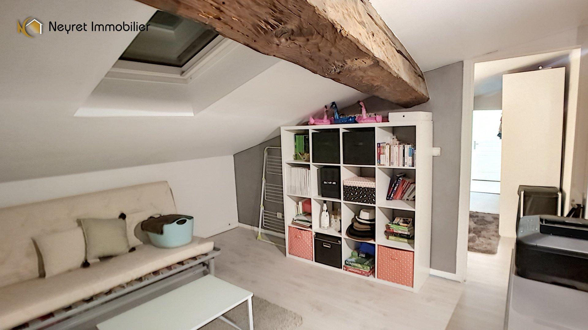 Maison de village type T6 de 130 m2 mansardés