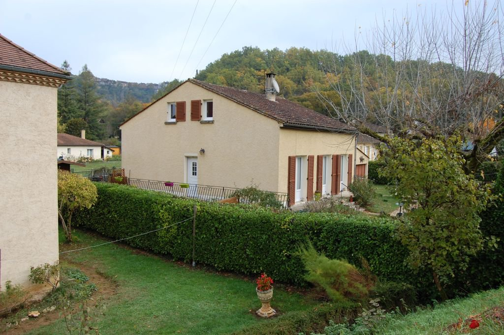 DORDOGNE - Cénac, modern house with garage on 708 m2