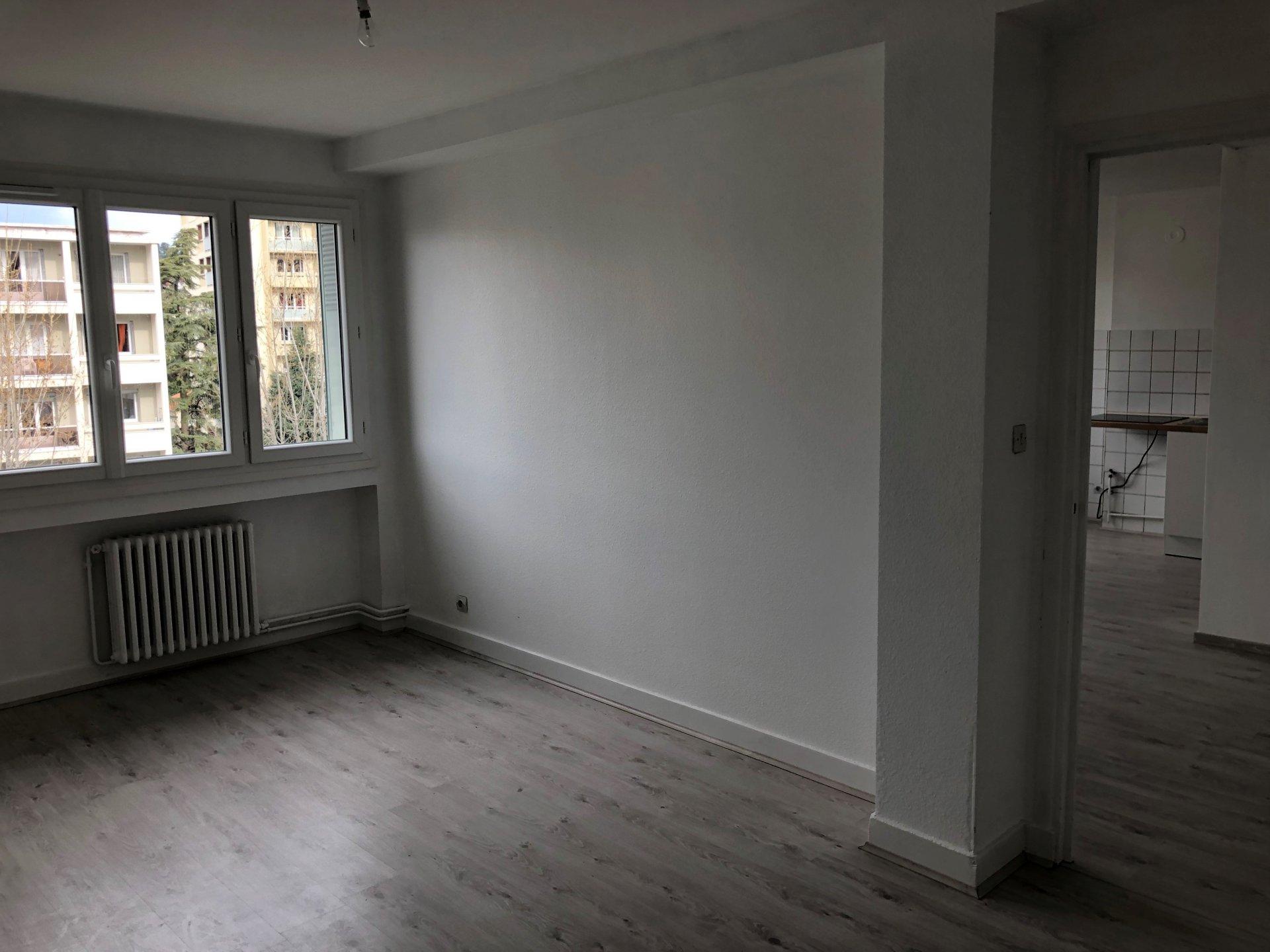 SAINT-ETIENNE - Appartement T2 rénové
