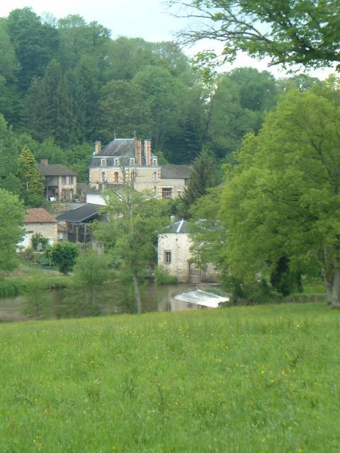 6 Bed Maison Bourgeois, 3 Bed Gite, 2 Further Houses on 2.5Ha...