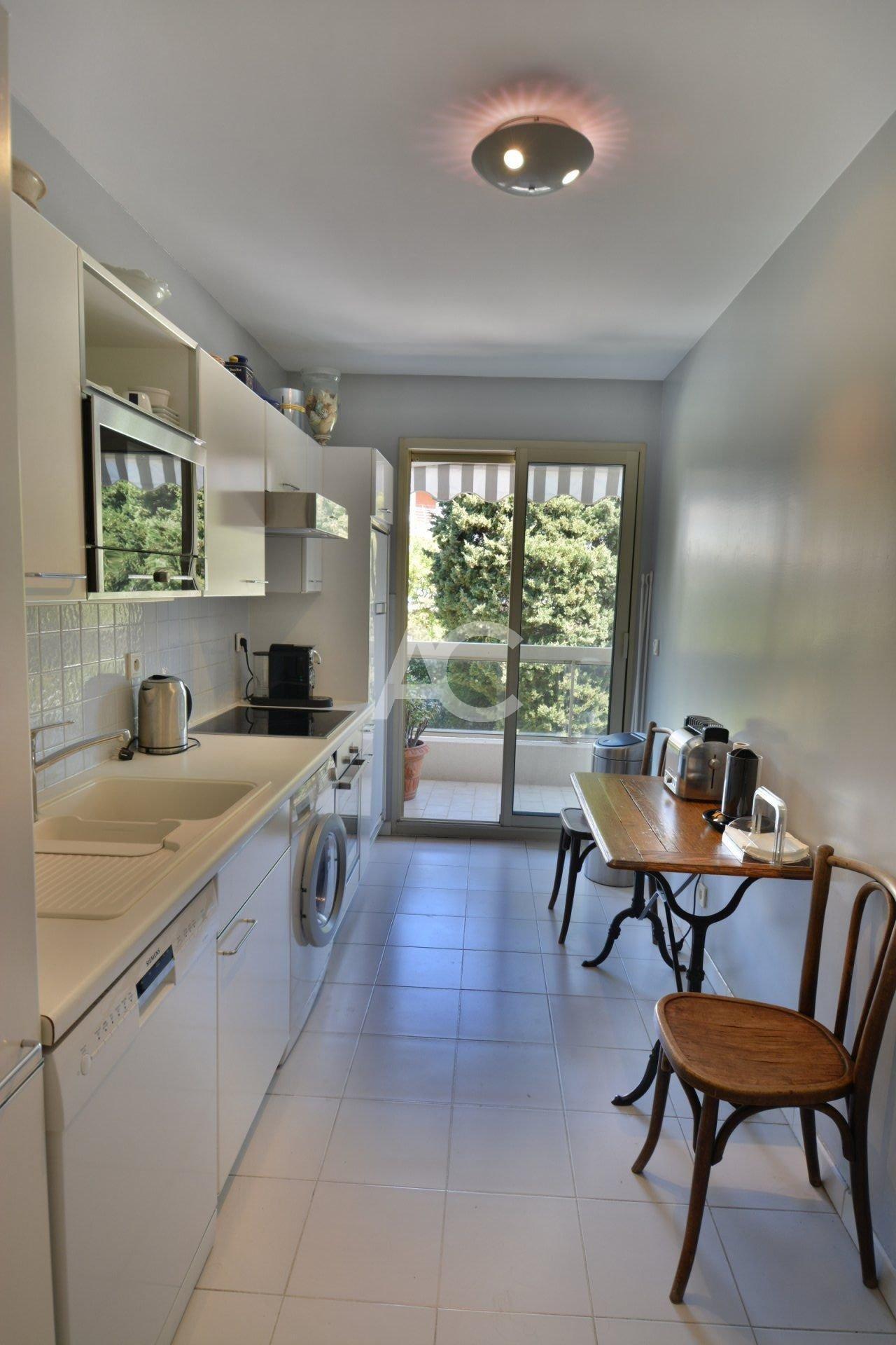 Bel appartement - Accès piscine - Juan les Pins