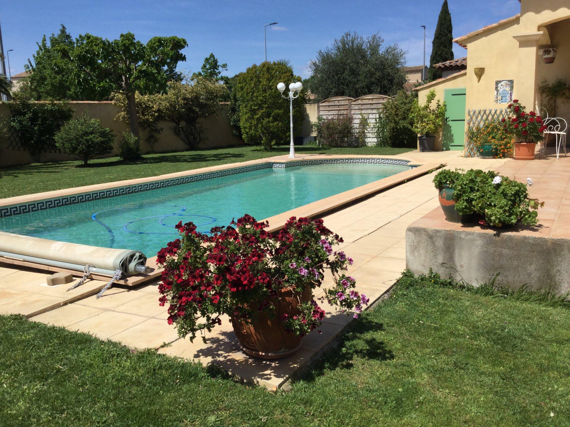 VILLA 150 M² avec piscine / 900 m² de terrain