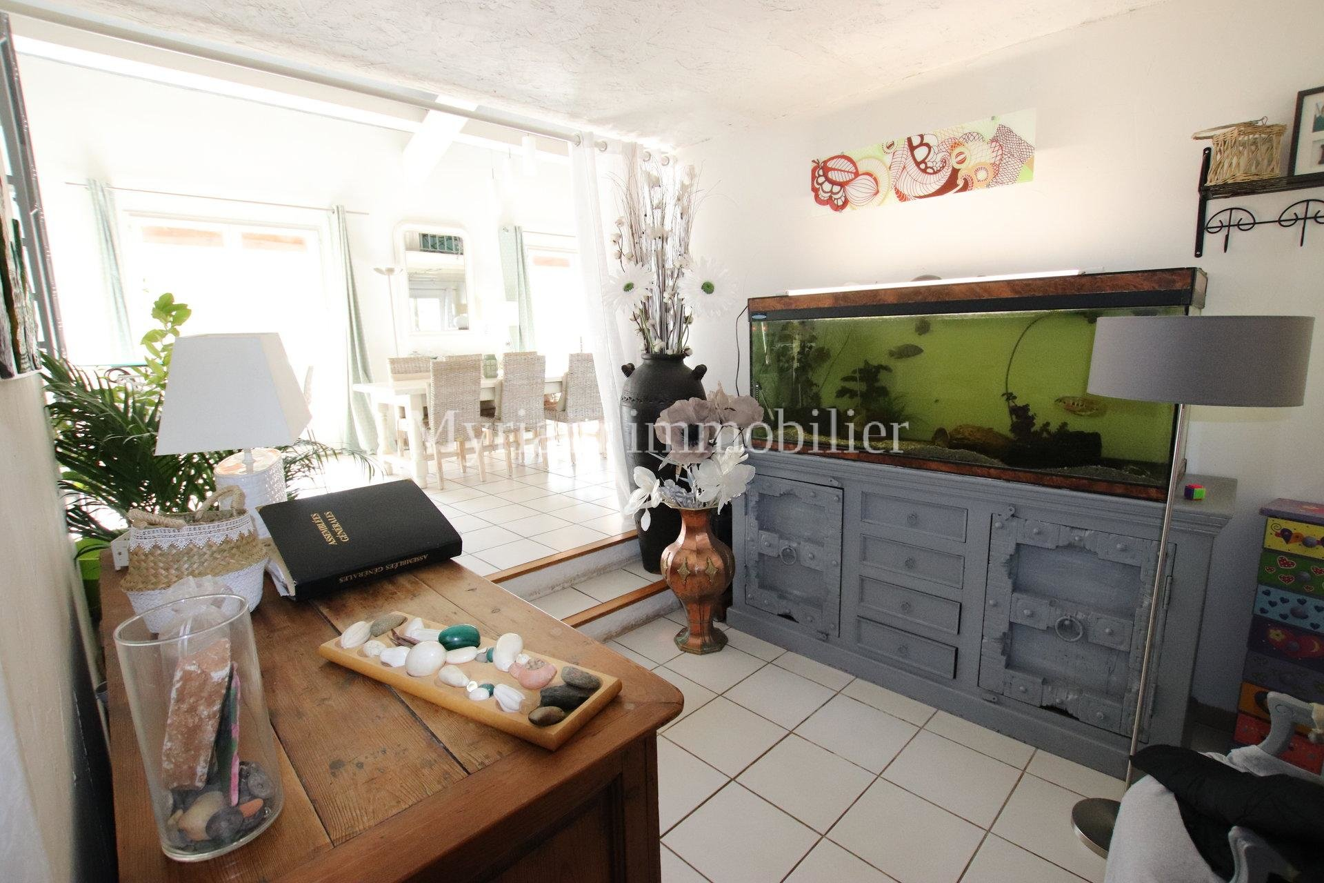 detached house 6 rooms swimming pool in MONS