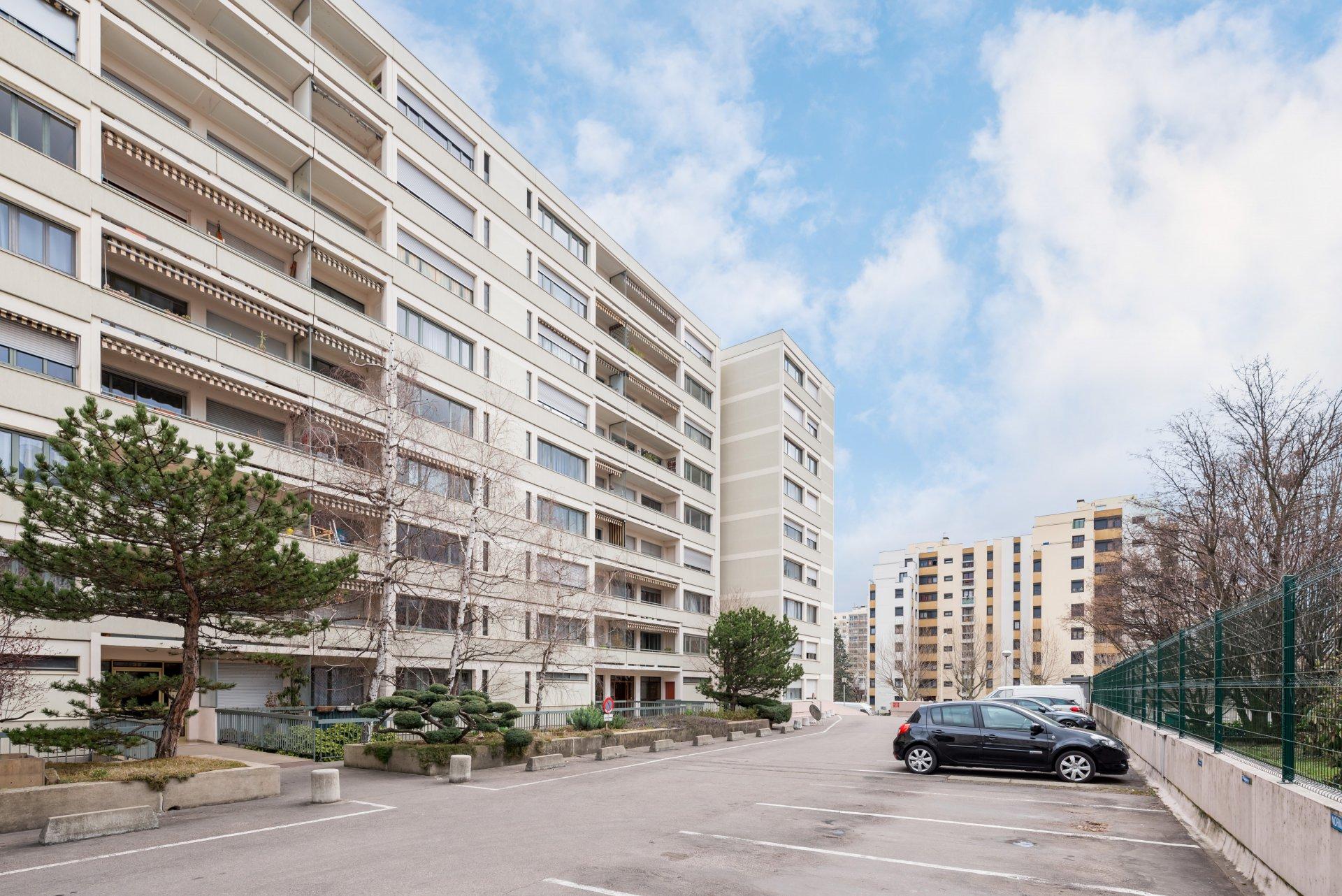 T4 88m² balcon, cave et parking