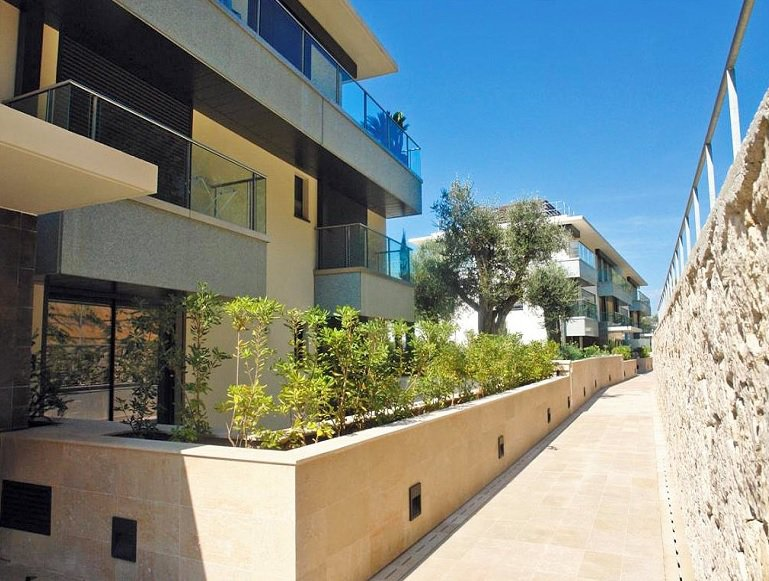 Nice - Mont Boron - Vaste apartment in gated luxury domain