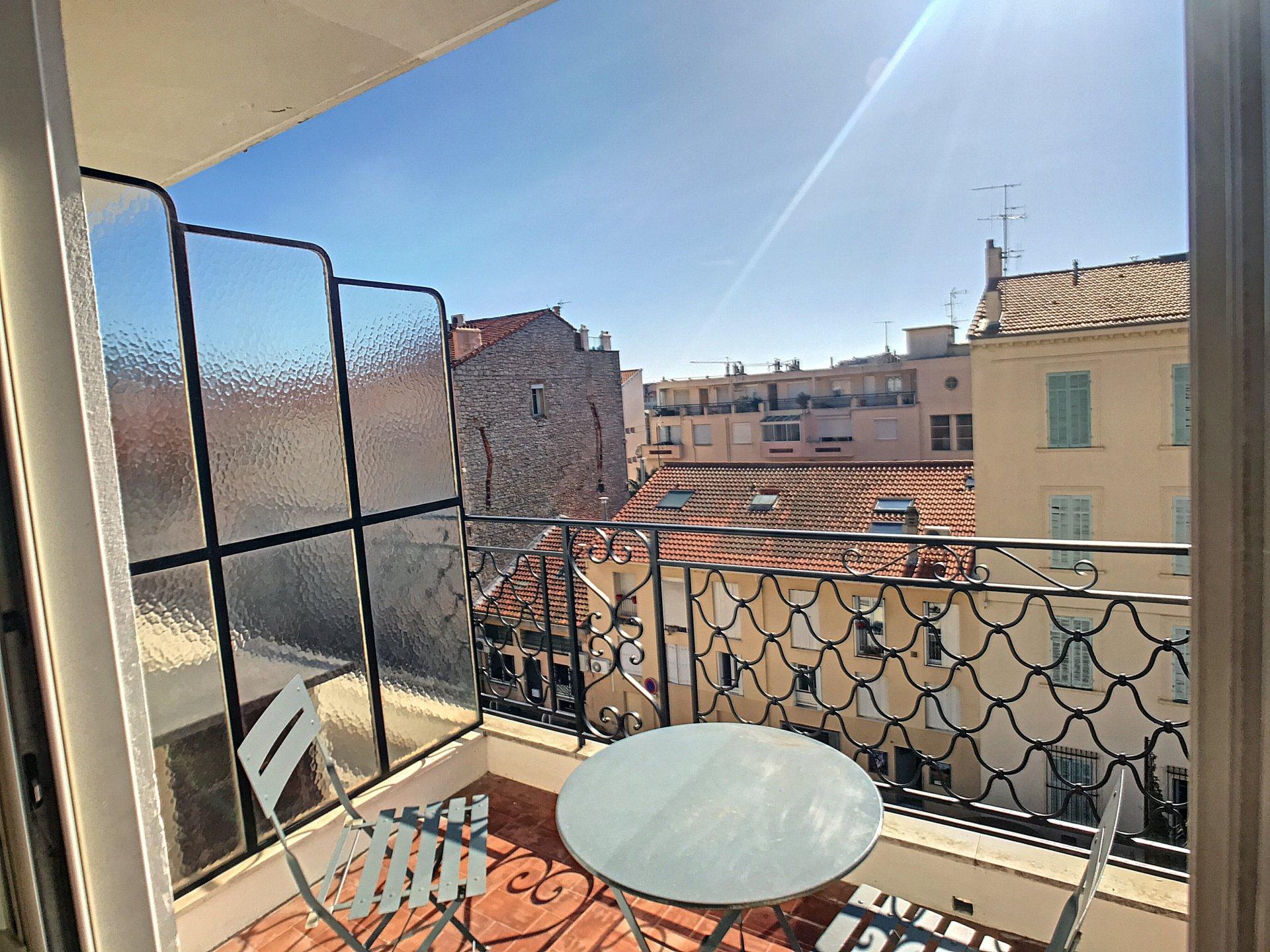 Cannes Centre,  Beau et grand 3 pièces avec terrasse