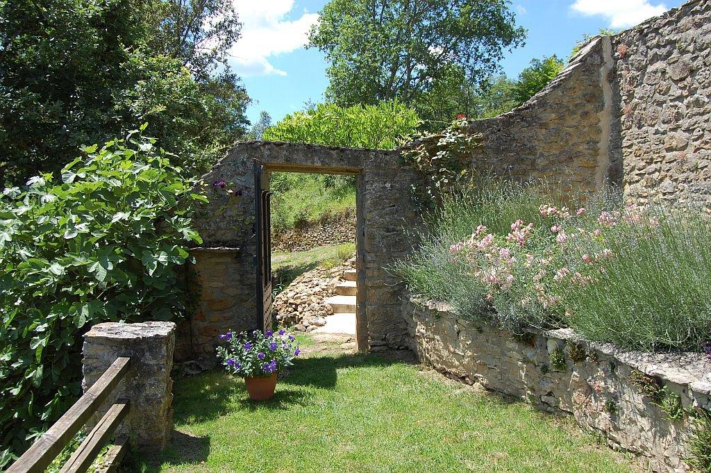 DORDOGNE - Property in the heart of the Périgord noir, splendid views