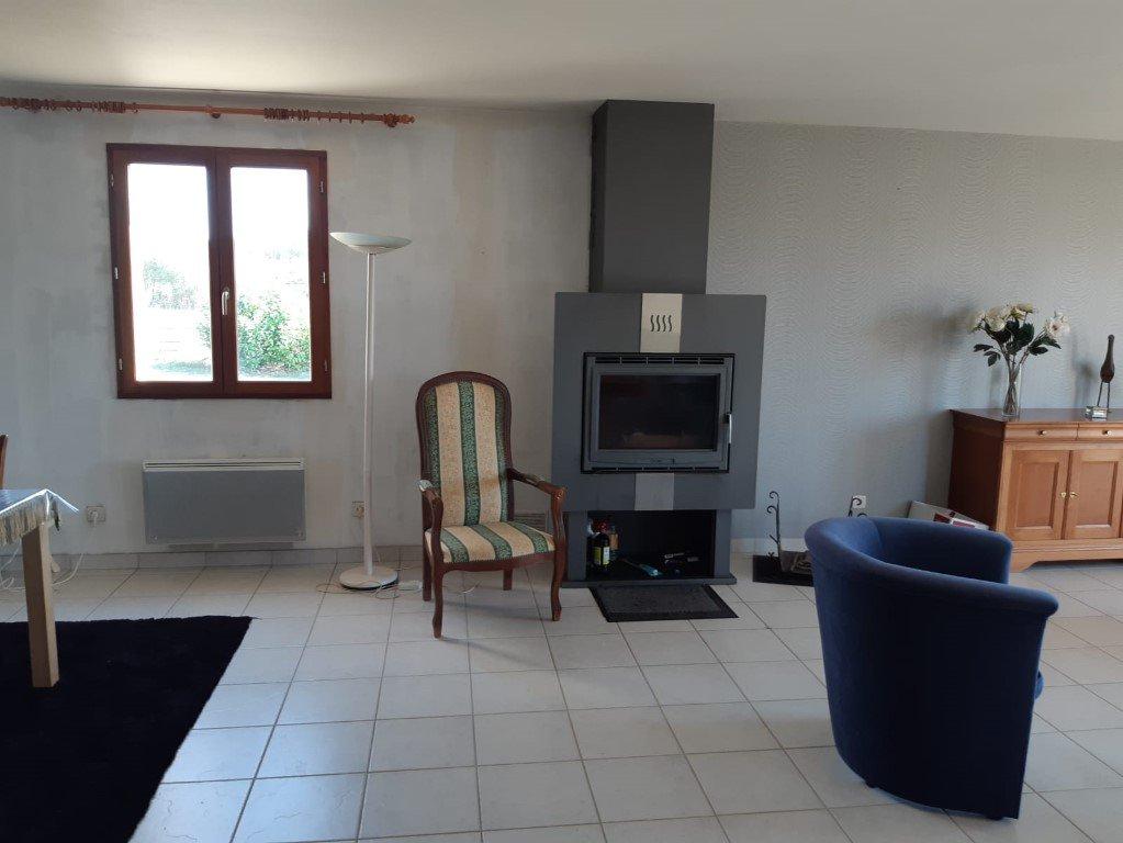 Ruim woonhuis met weids uitzicht te koop in de Bourgogne
