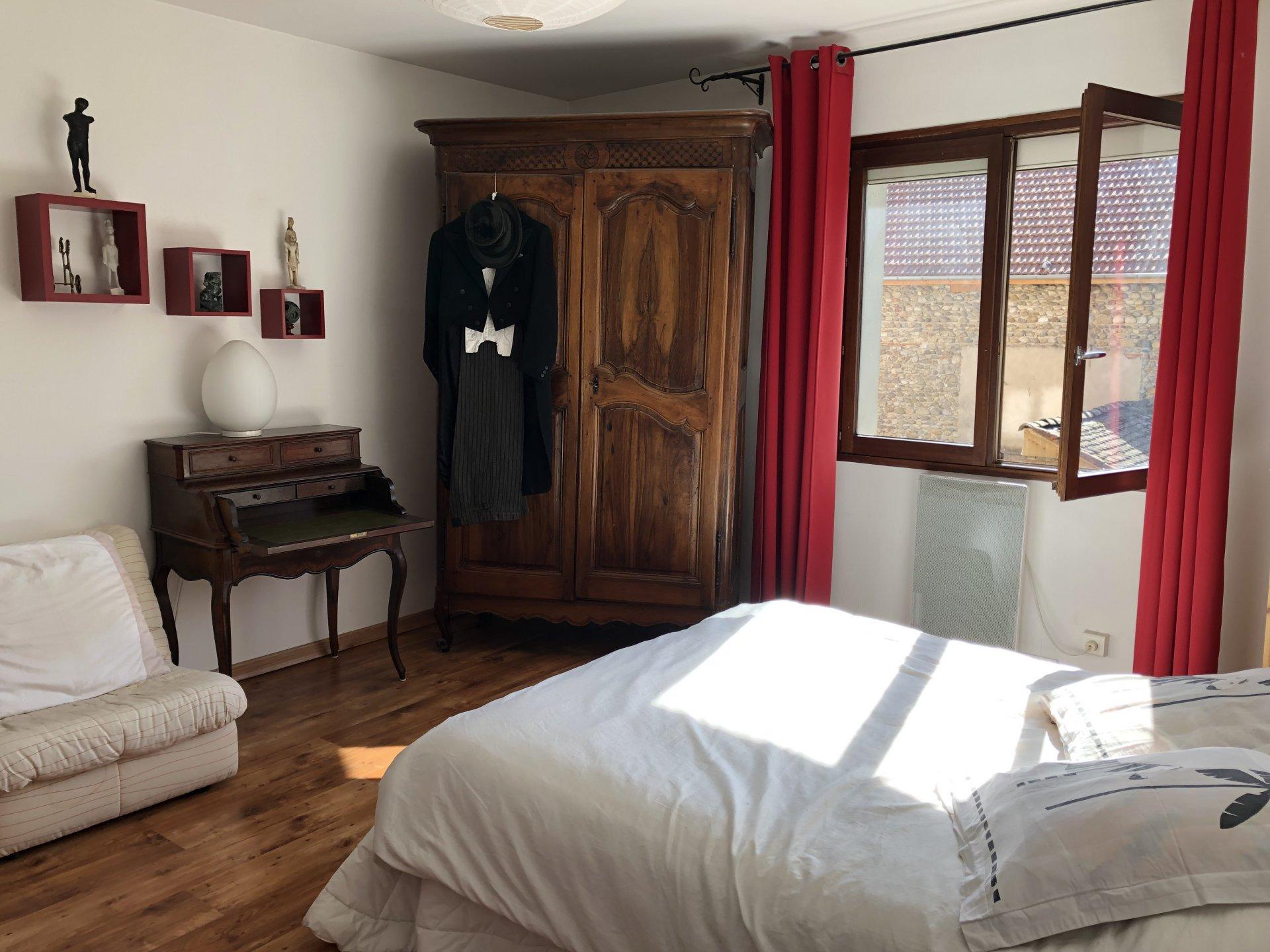 Chambre 1 avec parquet