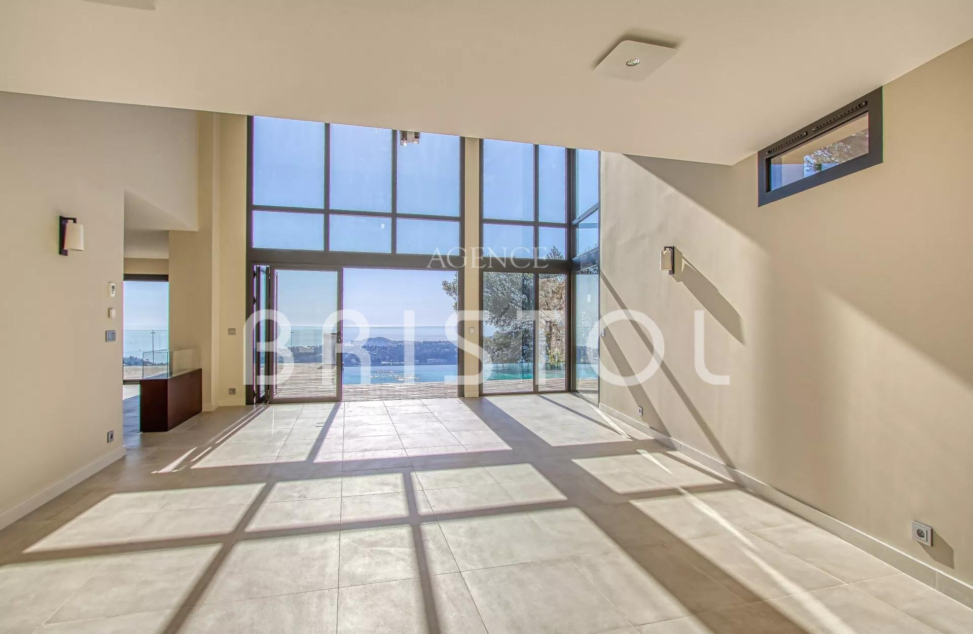 Superb contemporary villa newly renovated in Villefranche sur Mer