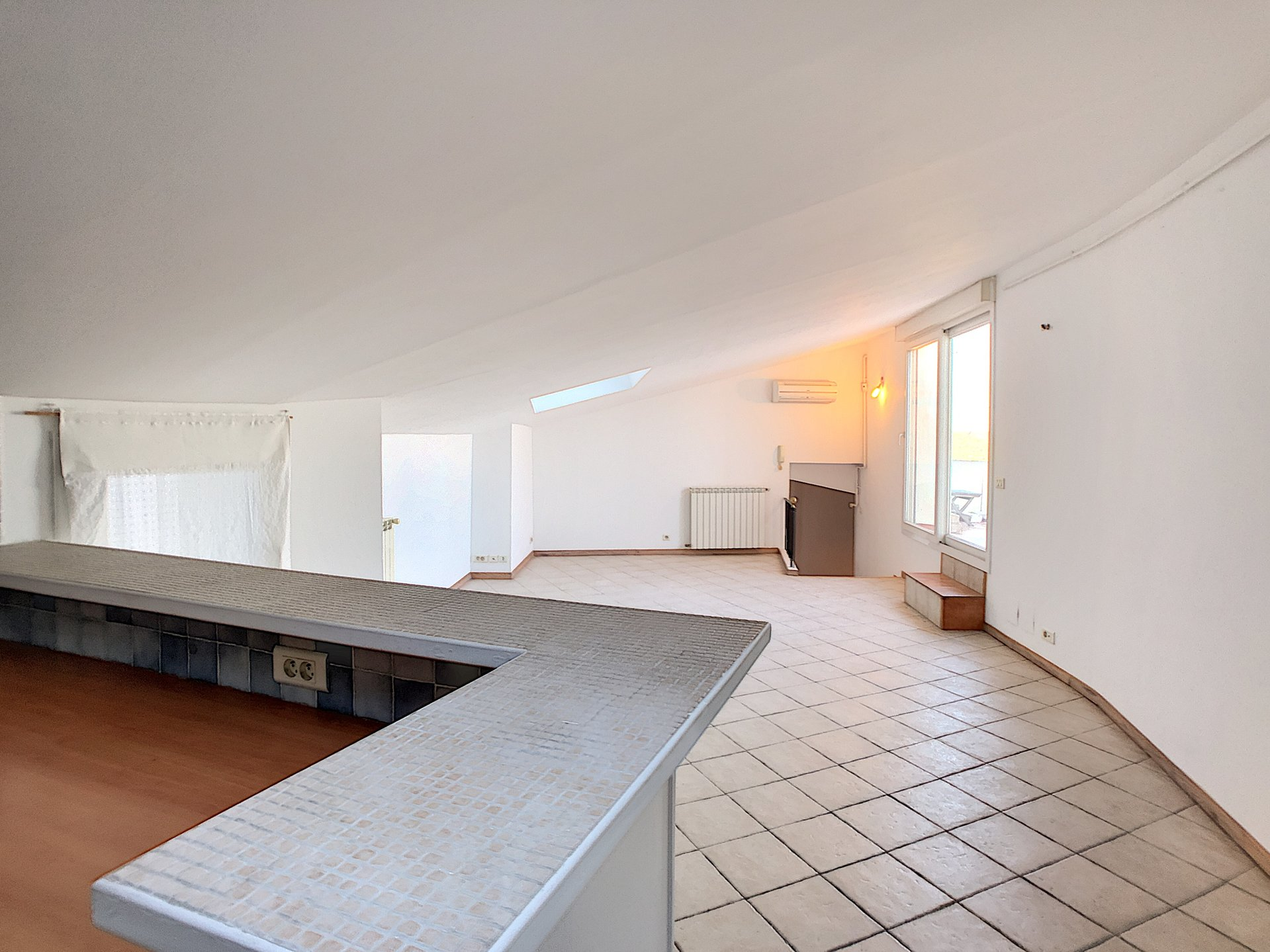 Duplex with large terrace, Sea views