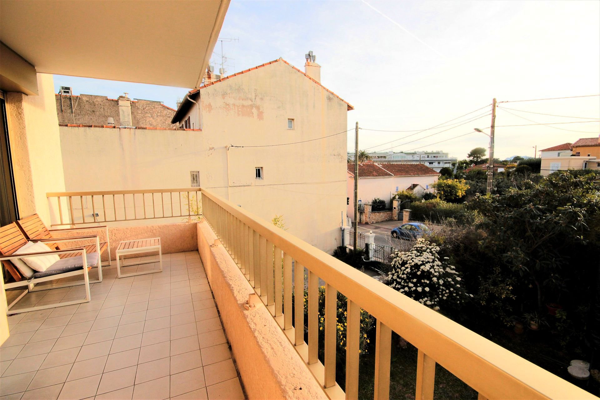 CANNES SALE APARTMENT 3 ROOMS NEAR CENTER