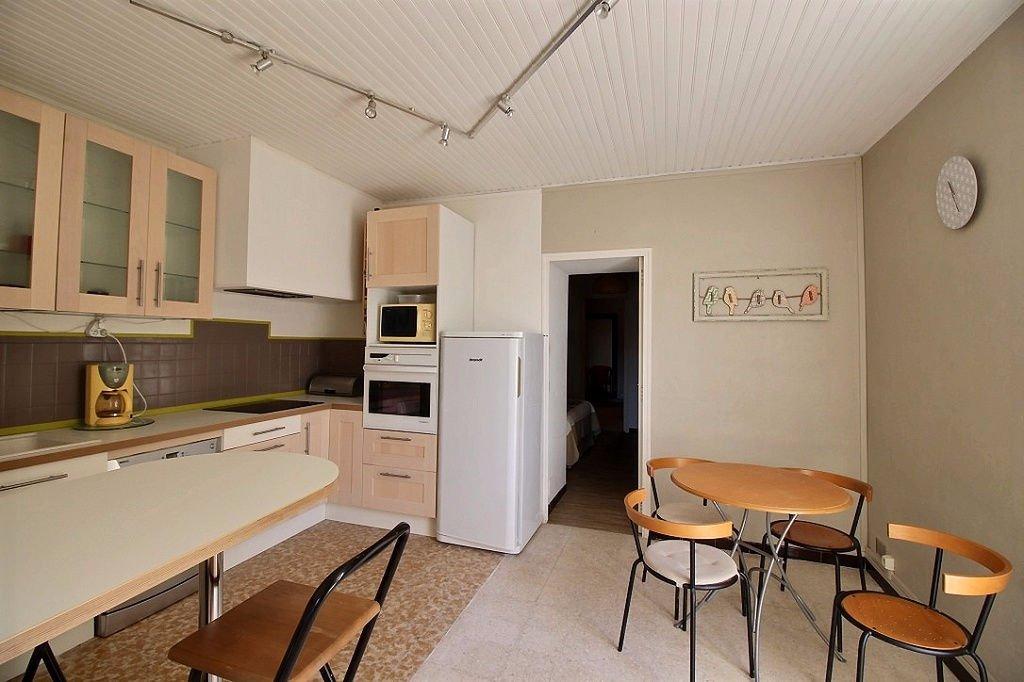 APPARTEMENT - MARSEILLE 13011 - LES CAMOINS - T3 de 53.85 m² L.C. - place de stationnement couverte - cour commune