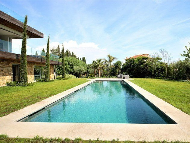 Cap d'Antibes - Contemporary villa with sea view