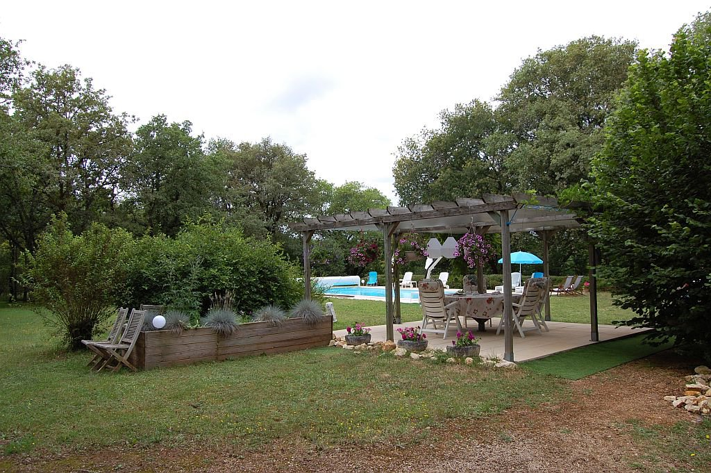 DORDOGNE - Modern house with garage and pool on 8.150 m2