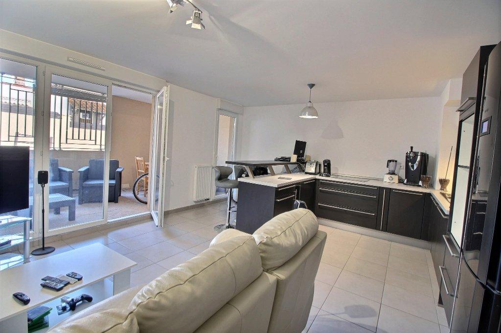 APPARTEMENT - LES CAMOINS - MARSEILLE 13011 - T2 de 52.93 m² L.C. avec Loggia de 11.5 m² - Place de parking privative