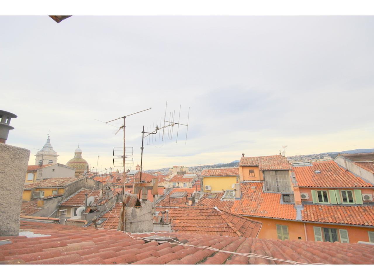 I gamla stan i Nice - renoverad