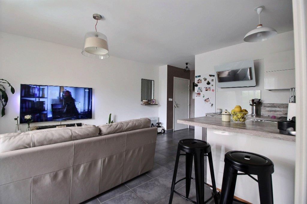 APPARTEMENT - LES ACCATES - MARSEILLE 13011 - TYPE 3 de 53.45 m² L.C. - Balcon de 6.21 m² - Double garage