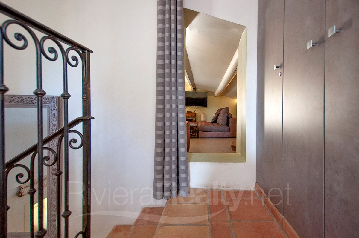 6 bedroom beautifully renovated villa in St Paul de Vence