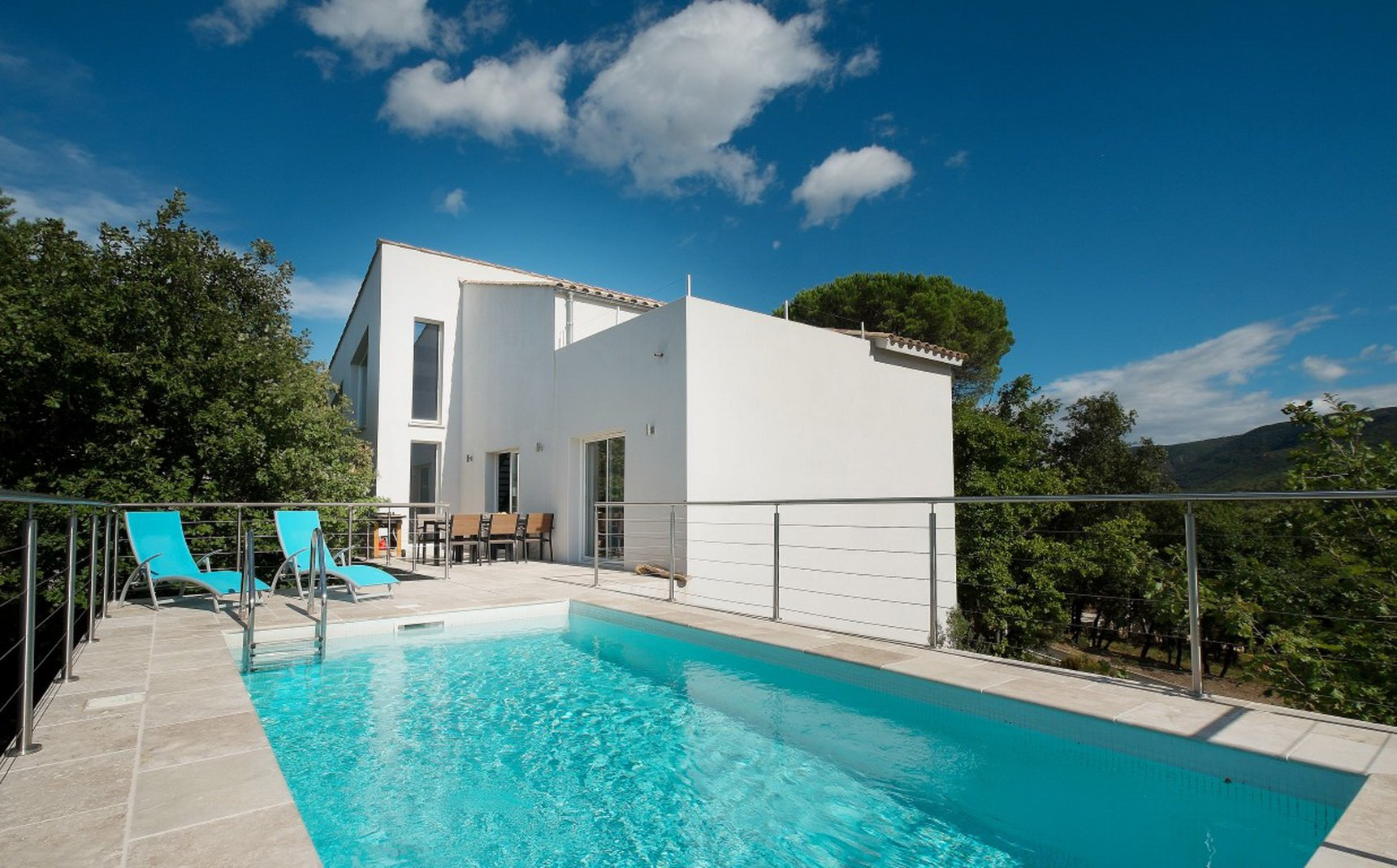 Contemporary villa with pool and stunning views