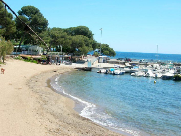 Charming 2-room apartment only 100m from the beach