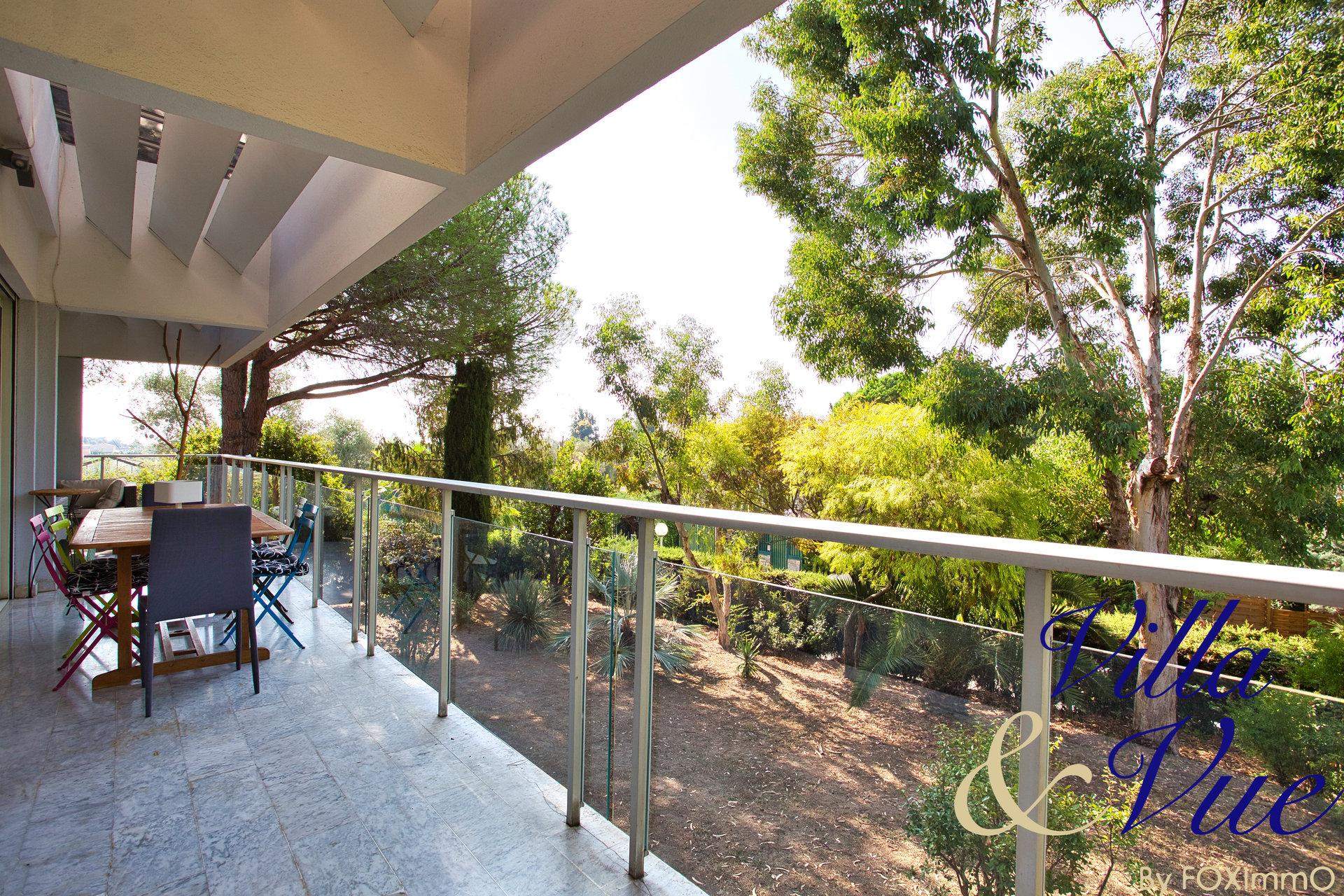 Villa Contemporaine proche Sophia, Mer, Village