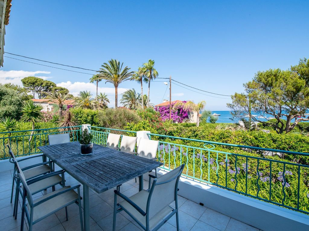 Wonderful villa close to the seafront on the Cap d'Antibes