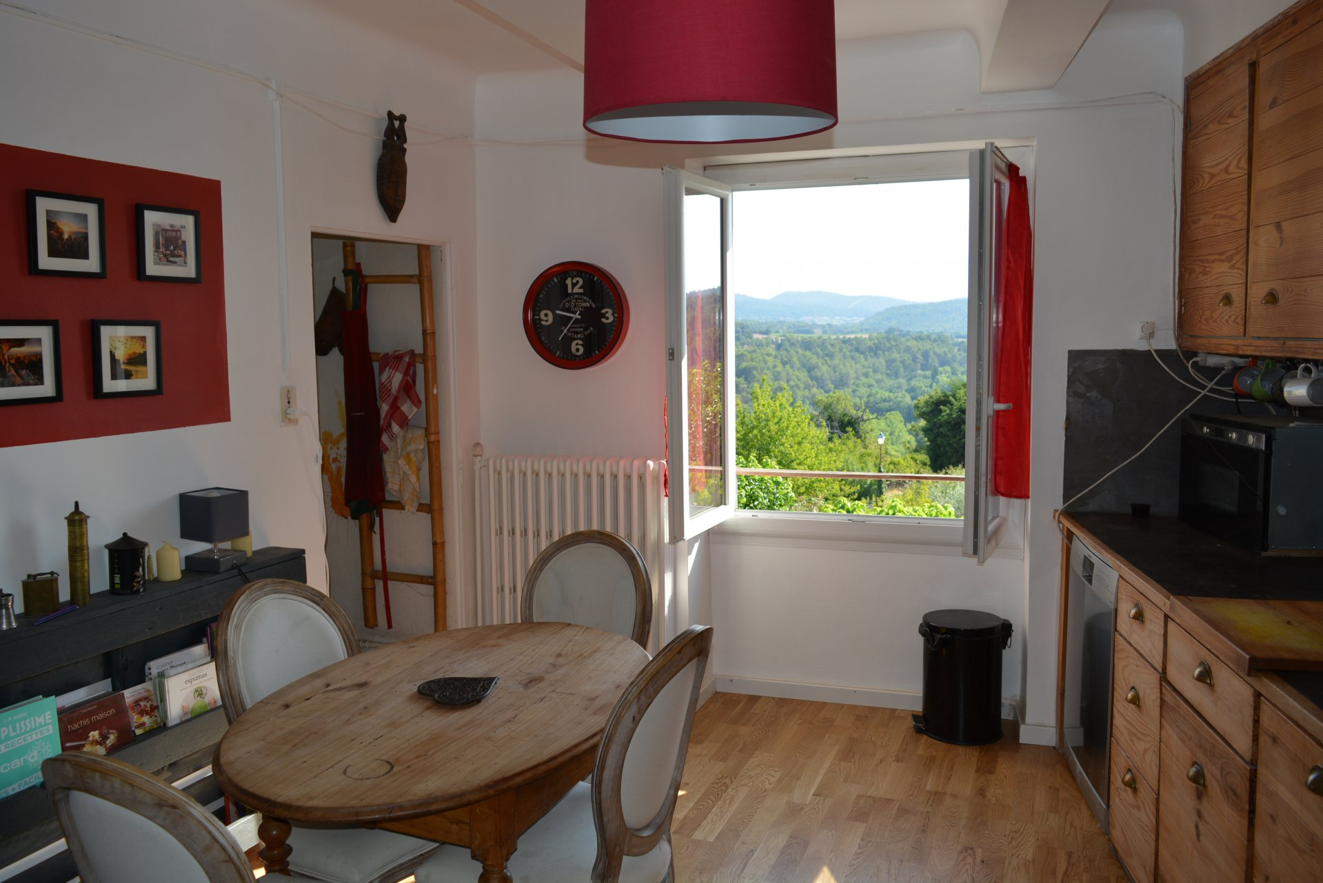 Maison de village  provençale T3/4.garage
