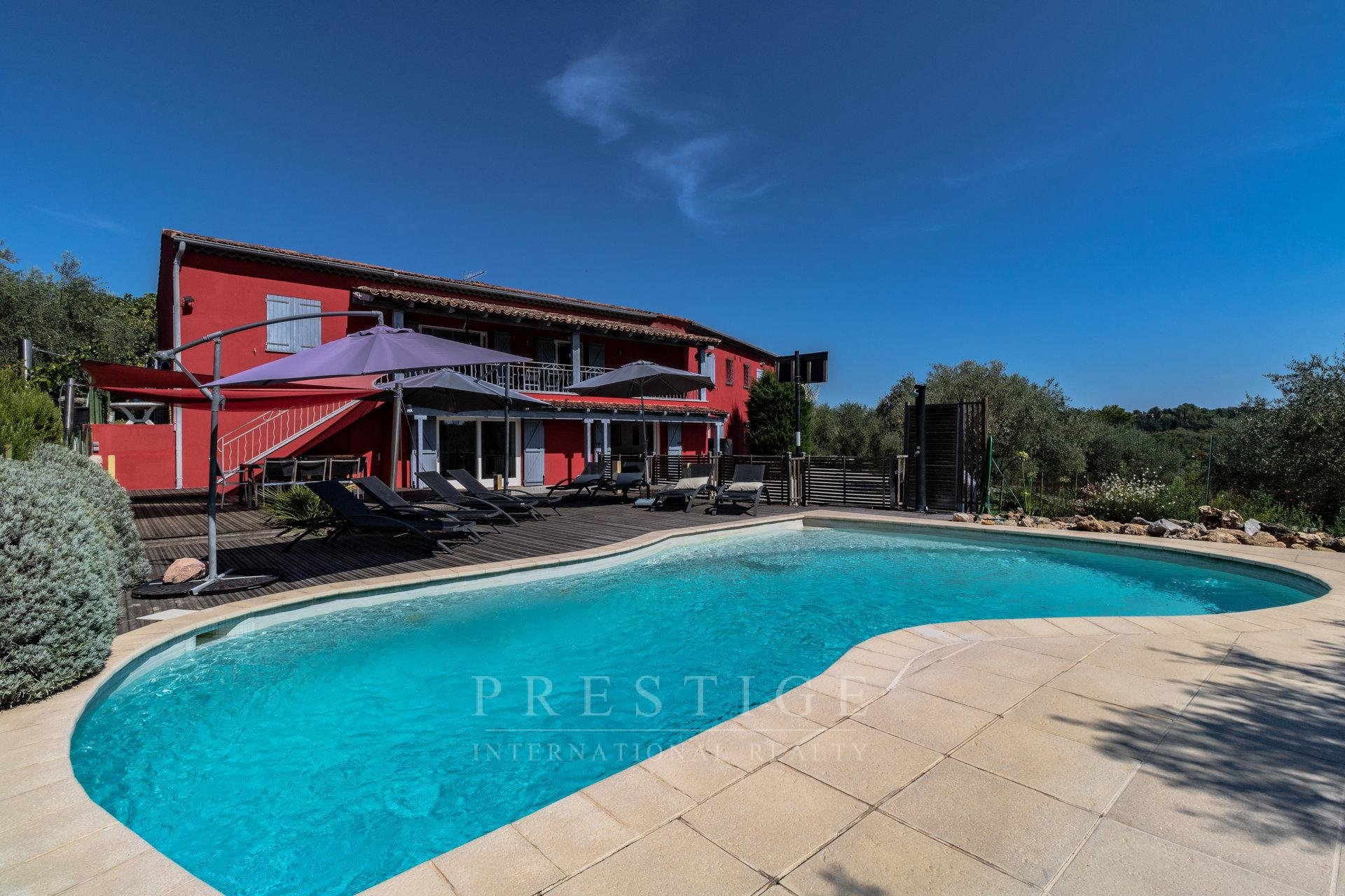 chateauneuf de grasse modern house with pool and 400 olive trees