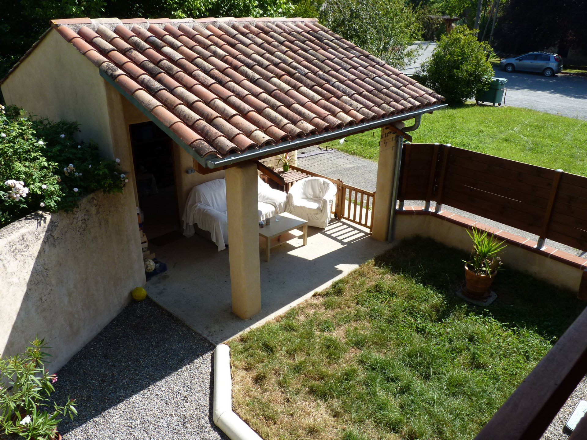 Near the Isle en Dodon, pretty village house with patio