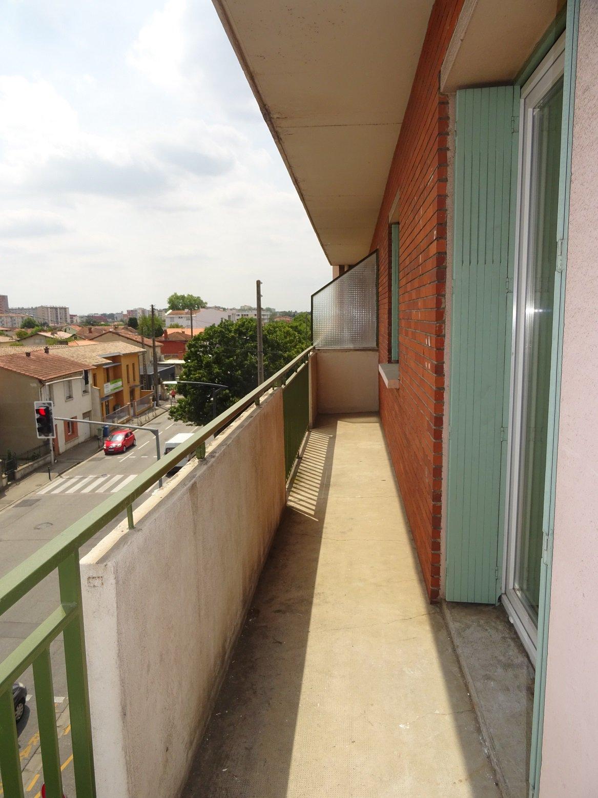 Arènes, T3 de 67 m² avec balcon.