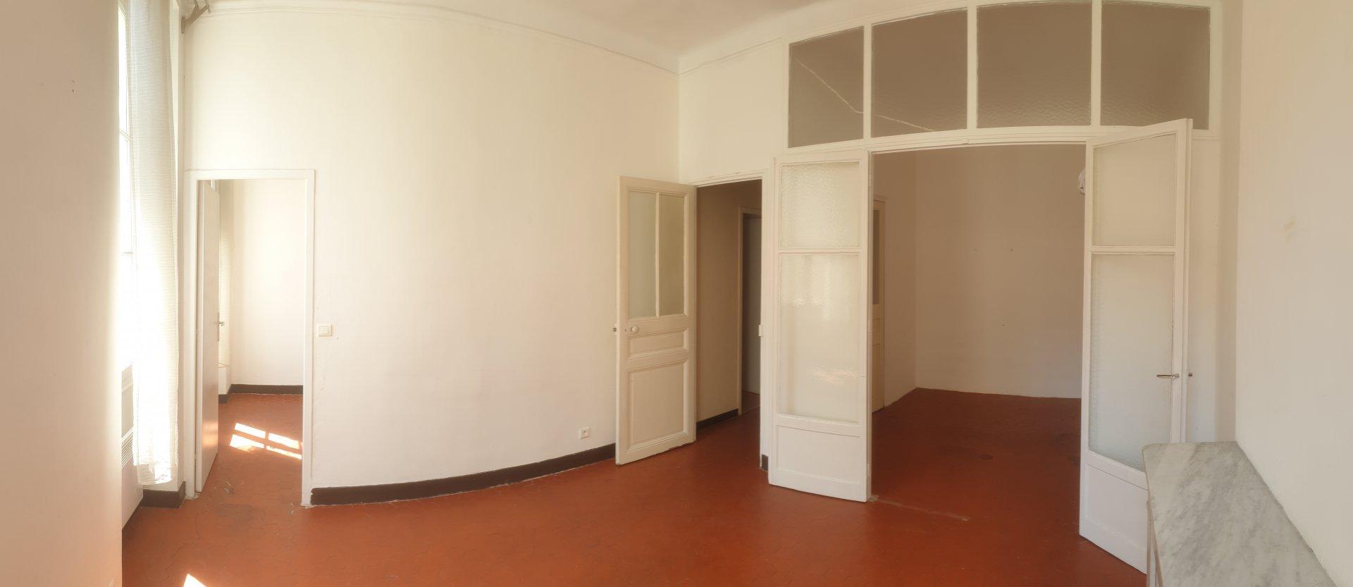 T2 - Rue Linné