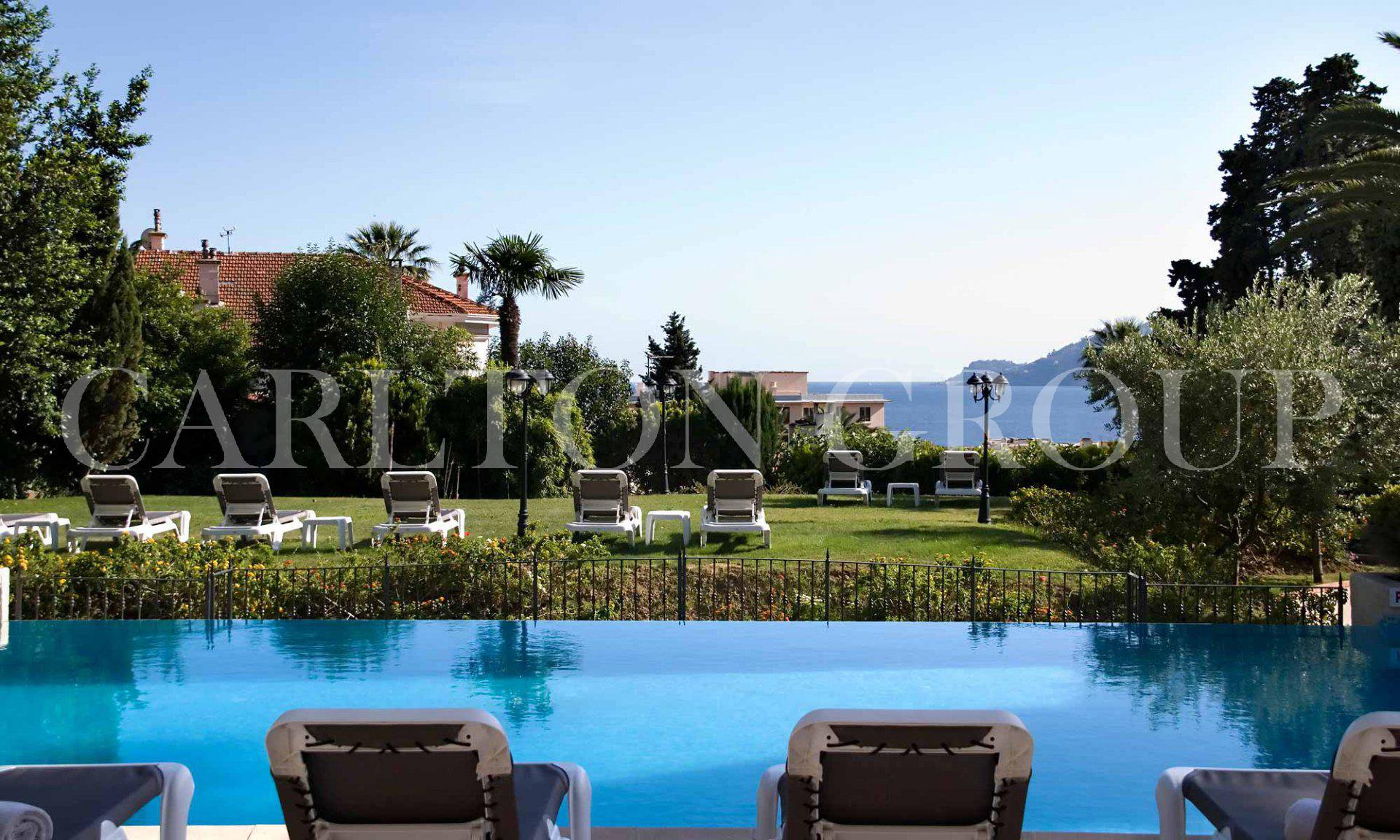 Superb charming hotel**** overlooking Cannes Bay