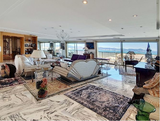 MAGNIFICENT APARTMENT FIRST LINE-PANORAMIC SEA VIEW
