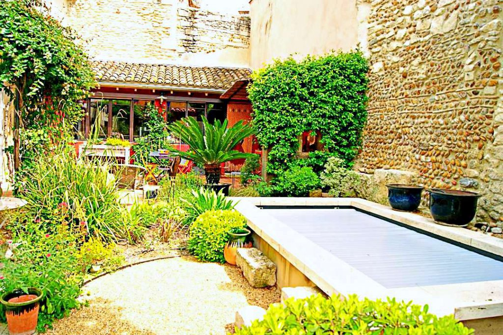 Mas village Eyragues