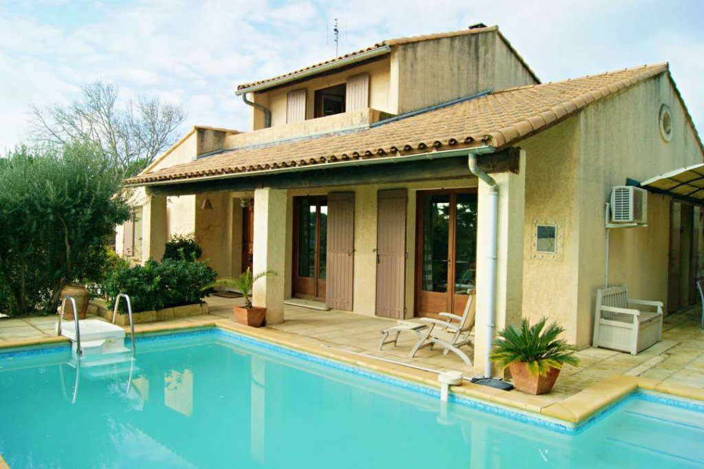 maison village Maussane alpilles avec piscine