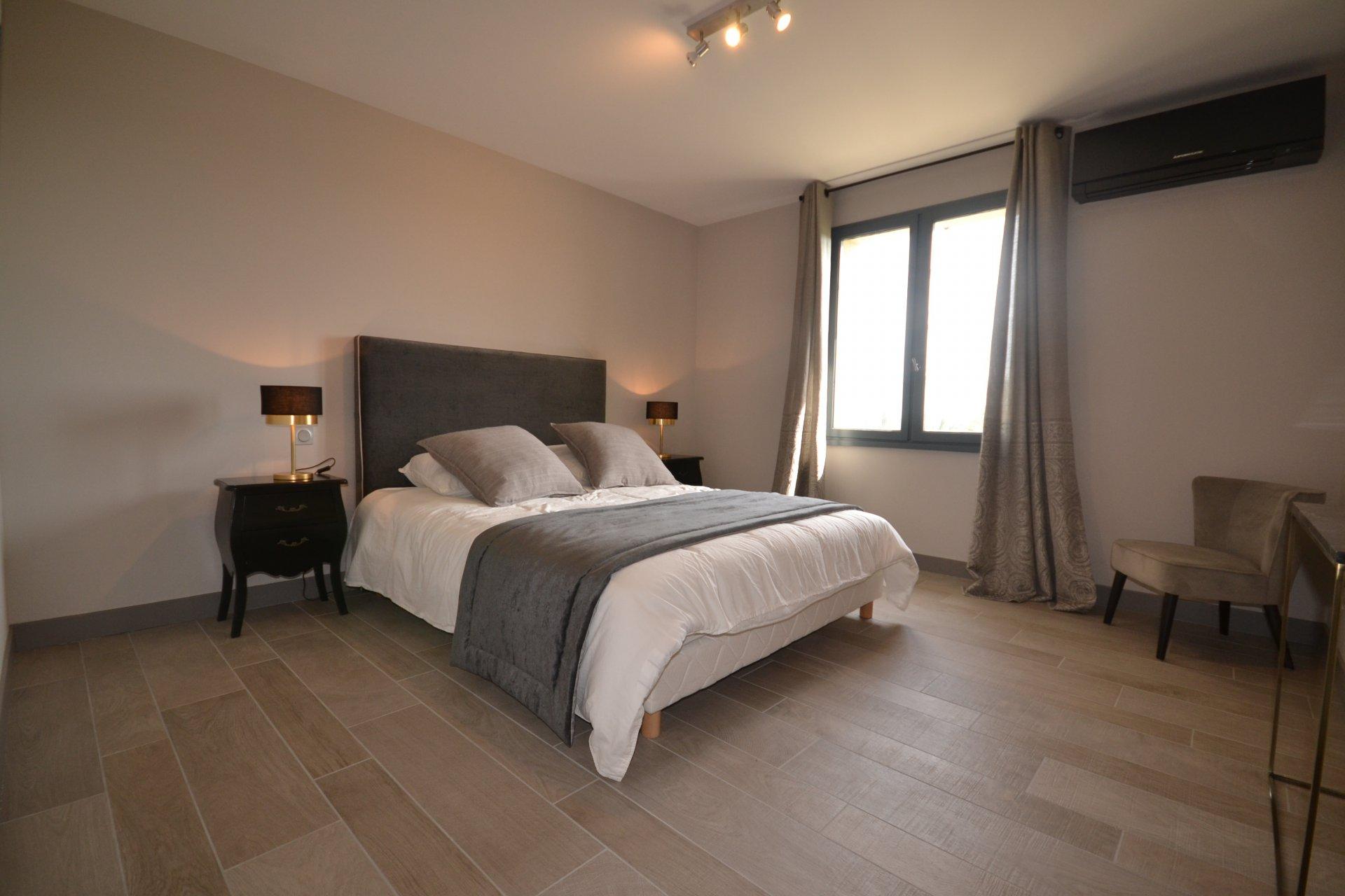 Magnifique propriété contempraine vue panoralique vallée des Baux
