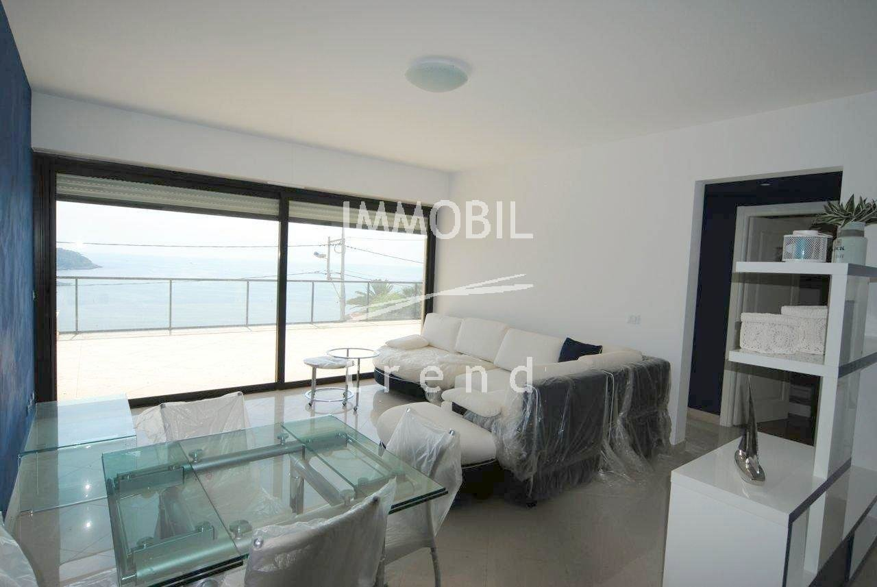 Real estate Roquebrune Cap Martin - For rental, two bedroom apartment with panoramic sea view close to Monaco