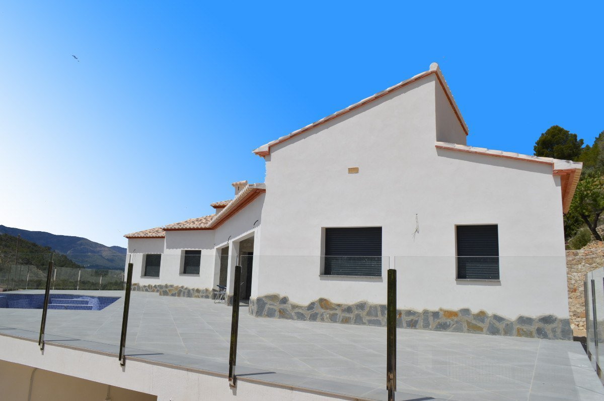 Contemporain, nouvelle construction de style finca